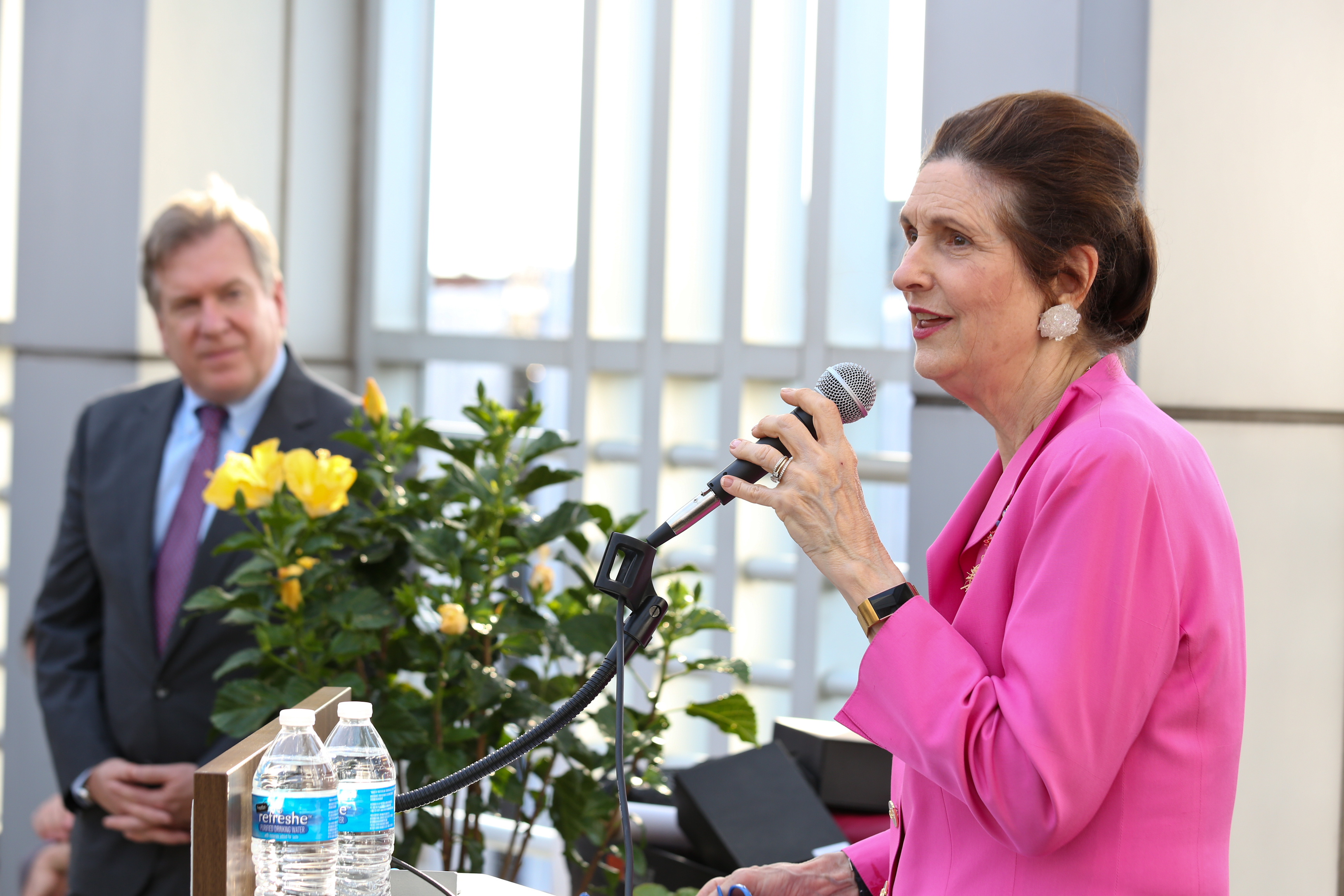Lynda Johnson Robb addresses the LBJ School's DC alumni and the 2019 DC Fellows at the DC Alumni Reception June 6, 2019