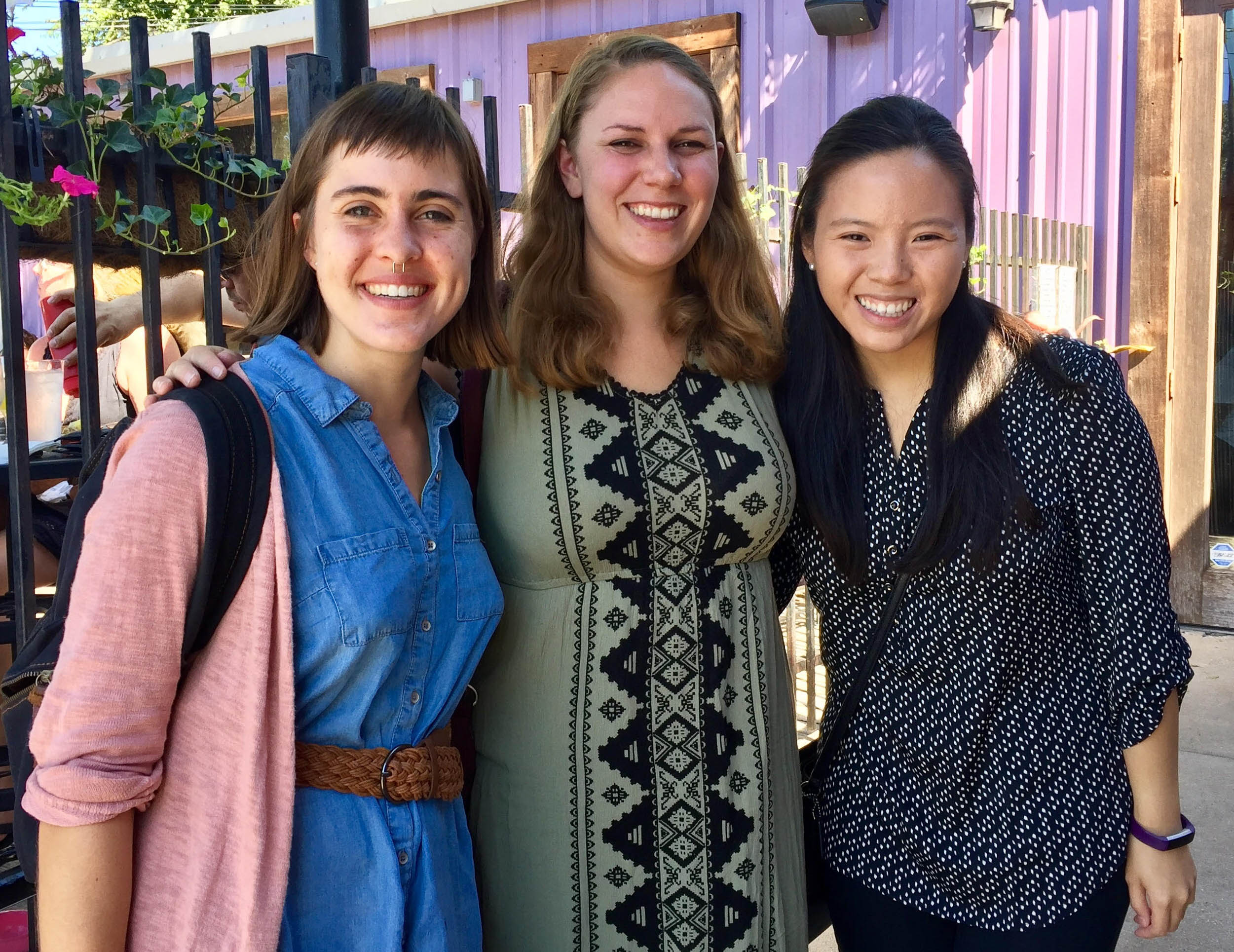 LBJ dual degree student Jaclyn Le (MPAff '19) with friends