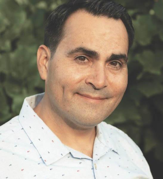 Oscar De La Torre (MPAff '98)