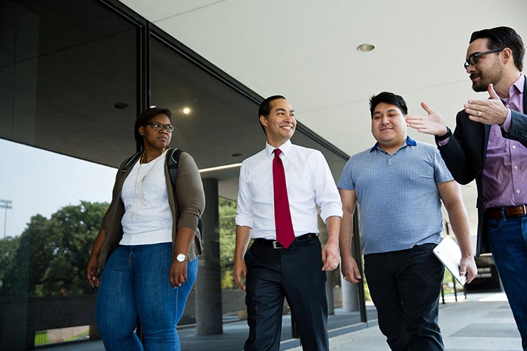 Julián Castro with LBJ students