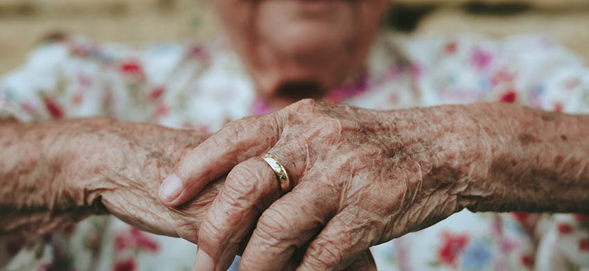 Elderly woman's hands. Credit: Eduardo Barrios, Unsplash