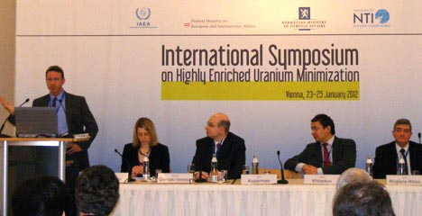 Alan Kuperman delivers remarks at the International Symposium on Highly Enriched Uranium Minimization