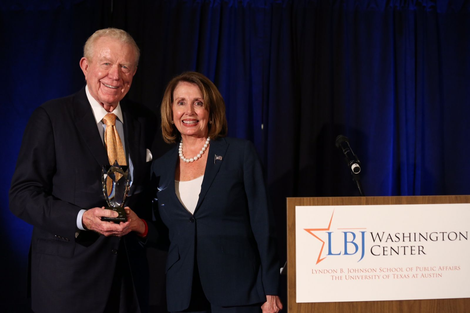 Minority Leader Nancy Pelosi presents the Founder Award to Ben Barnes, former Lieutenant Governor of Texas