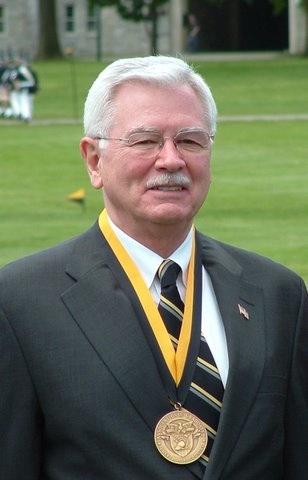 Howard Prince Received the West Point Distinguished Graduate Award in 2006