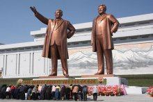 Statues of Kim Il Sung (left) and Kim Jong Il on Mansu Hill in Pyongyang. J.A. DE ROO / WIKIMEDIA COMMONS